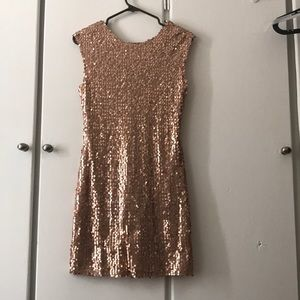 Forever 21 Dresses - Bodycon Sequin Rose Gold Party Dress